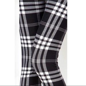 NWT Black and White Plaid Leggings